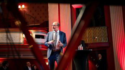 Jacques Miniane fra Det internasjonale pengefondet taler på Eiendom Norges konferanse på Christiania Teater.