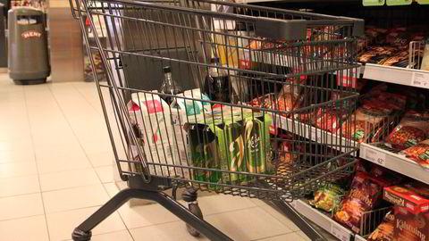 Norgesgruppens distribusjonsselskap Asko tar over en stadig større del av mat- og drikkevaredistribusjonen i Norge. Neste år kjører selskapet også varer for Hansa Borg. Foto: NNN