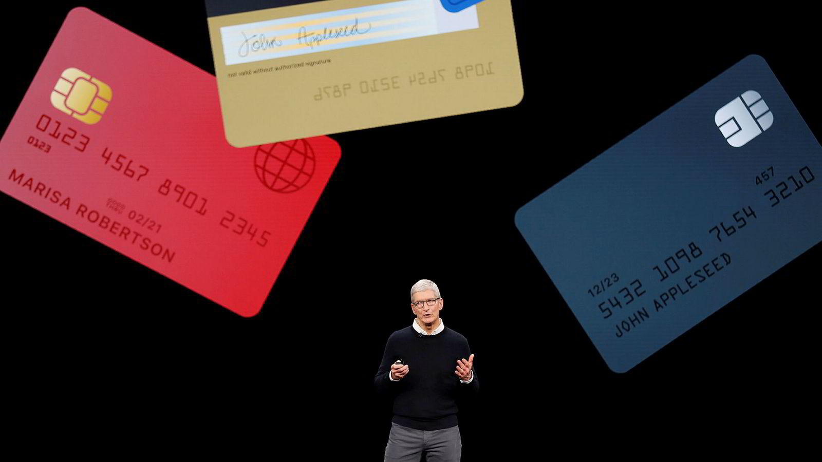 Apple-sjef Tim Cook offentliggjorde Apple Card i San Francisco mandag kveld.