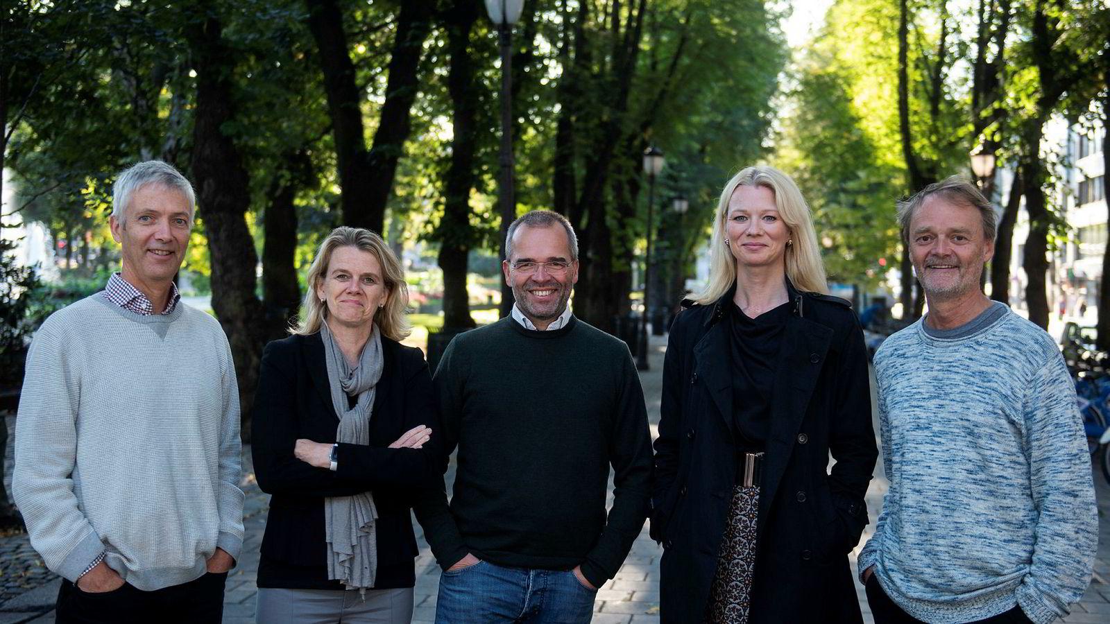 DNs rentepanel, fra venstre: Steinar Holden, Hilde Bjørnland, Ragnar Torvik, Kari Due-Andresen og Knut Røed.