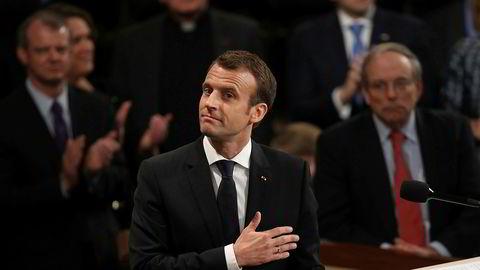 Frankrikes president Emmanuel Macron fikk stående applaus da han onsdag kveld talte til Kongressen i USA.