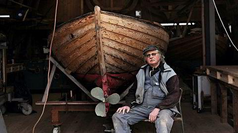 Båtbyggeriet. I en liten bukt på Hisøy utenfor Arendal har Wilhelm Dannevig, med egne hender, bygget opp igjen båtbyggeriet som bestefaren startet for 100 år siden. – Det var bare et skjær her ute. Alt har jeg bygget opp