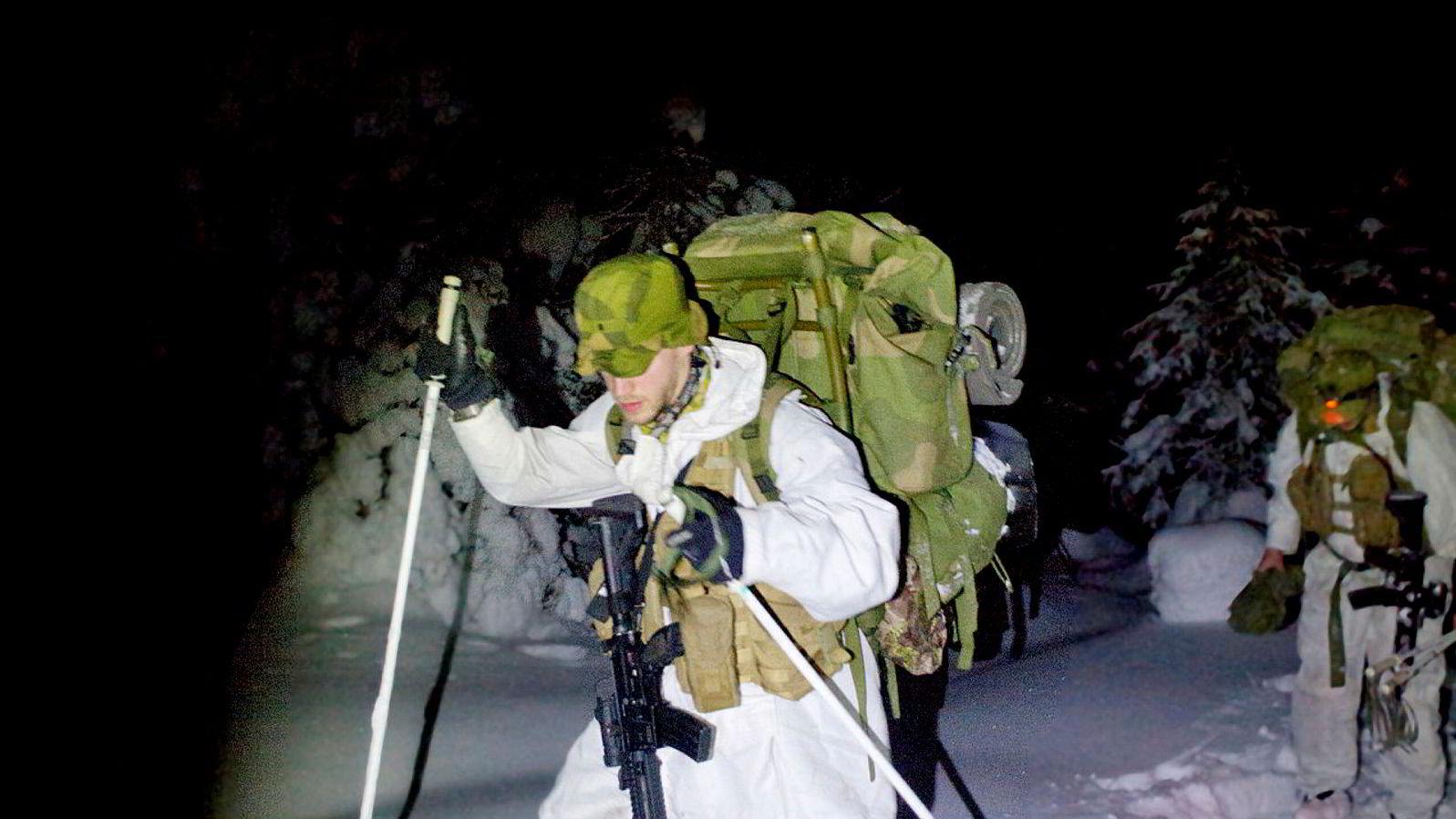Å kaste spydet lengst og å bære tyngst har vært avgjørende for å bli ansett som den best egnede soldaten, krigeren og lederen.