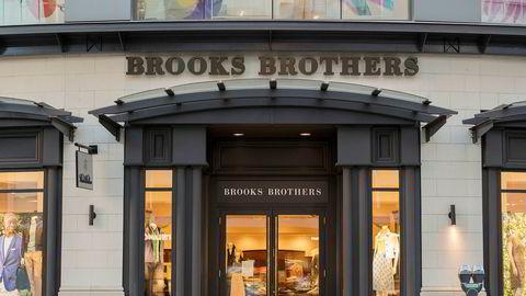 Brooks Brothers ble tvunget til å stenge klesbutikkene sine da koronakrisen slo inn for fullt. Her fra en butikk i Vancouver i Canada.