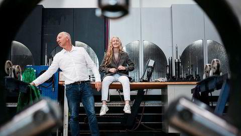 Tor Ole Talgø eier og driver oljeservicebedriften GMV på Forus utenfor Stavanger. Han venter fortsatt gode tider, men merker press på lønnsomheten. Her er han sammen med datteren Lene Talgø.