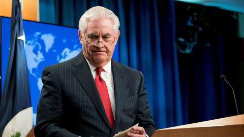 Rex Tillerson kunngjør at han gir fra seg ansvaret for utenriksdepartementet allerede tirsdag. Foto: Andrew Harnik / AP / NTB scanpix