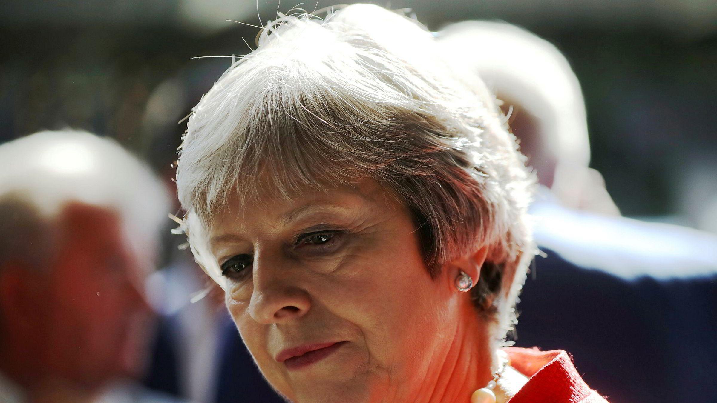 Statsminister Theresa May møter nok et nederlag etter EU avviser britenes forslag til en kombinert tollordning etter brexit.