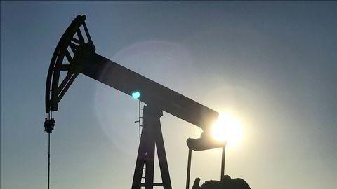 Oljeprisen i USA stuper. Her fra de enorme skiferoljefeltene i Midland, Texas.