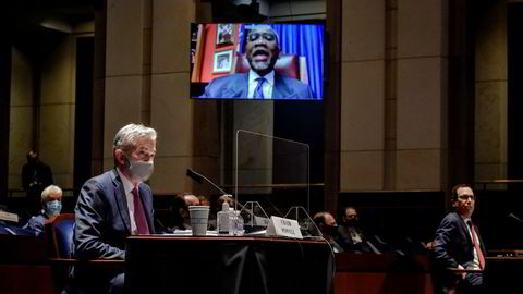 Torsdag holdt Powell en tale sentralbanker og økonomer hele verden har ventet på. Her fra en høring tidligere i sommer.