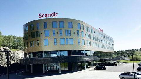 Den børsnoterte Scandic-kjeden, her representert ved Flesland Airport Hotel utenfor Bergen, er hardt rammet av koronakrisen.