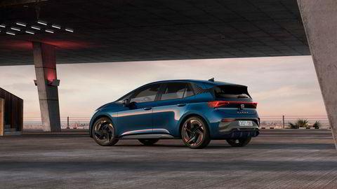 Cupra Born blir et nytt bekjentskap da den kommer til høsten. Utseendet er ikke helt ulikt VW ID.3.