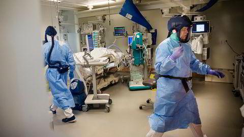 Tilstrekkelig intensivkapasitet er en forutsetning også for planlagt behandling, ettersom komplikasjoner pleier å oppstå, skriver artikkelforfatterne. Her fra Rikshospitalets intensivavdeling