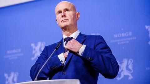 Helsedirektør Bjørn Guldvog og hans medarbeidere jobber nå for fullt med planen for hvordan Norge skal gjenåpnes frem mot sommeren.