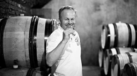 Étienne de Montille kommer fra en burgundfamilie som har drevet med vinproduksjon siden 1700-tallet. Han dro i 2016 til California for å utforske nytt terroir.