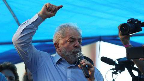 Brasils ekspresident Luiz Inacio Lula da Silva sier han aldri vil forlate politikken.