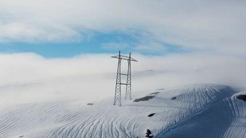 Det er store mengder snø i fjellet, noe som vil presse strømprisen ned til våren. Dette bildet er tatt over Hardangervidda i 2013.
