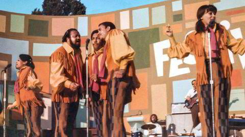 The 5th Dimension blandet psykedelisk soul og pop, og toppet Billboard-listen med «Aquarius/Let the Sunshine In» i 1969. Her på scenen under Harlem Cultural Festival, fra dokumentarfilmen «Summer of Soul».
