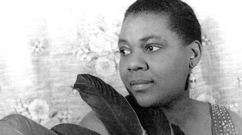 Bessie Smith avbildet i 1936, året før hun døde i en bilulykkke mellom Memphis og Clarksdale. Frem til 1970 lå den glemte superstjernen i en umerket grav.