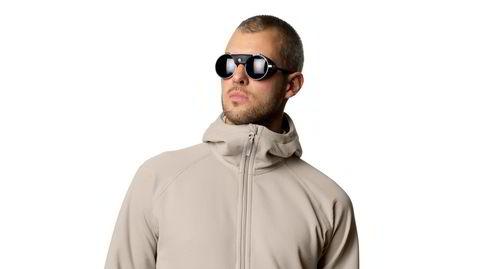 Ny fleece. Ifølge Houdini fører det resirkulerte fleece-materiaelt i deres Mono Air-jakke til mindre utslipp av plastpartikler enn materialene som har vært vanlig å bruke i fleece-jakker.