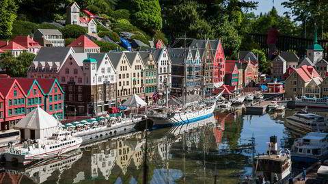 På tur til Legoland? Tog via København har lavest utslipp. Velger du fergen fra Oslo til København, og bil derfra, blir utslippet høyere enn fly.