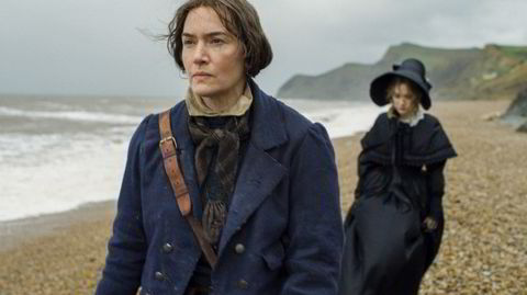 Kvinnen ved havet. Kate Winslet spiller Mary Anning, som forsket på fossiler langs Dorset-kysten på 1800-tallet. Det er derimot uvisst i hvilken grad hun eksperimenterte seksuelt.