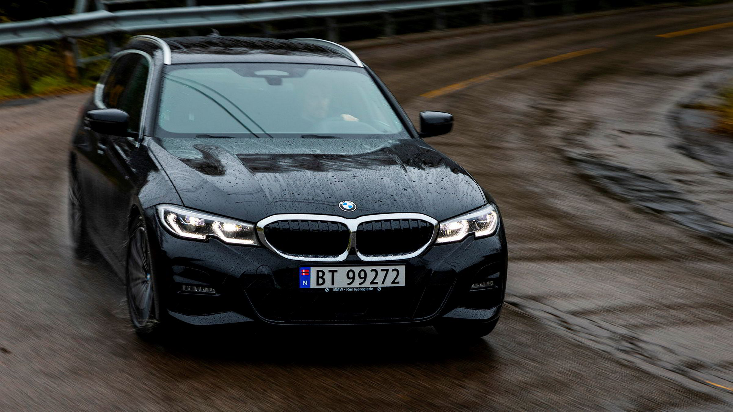 BMW holder teten som kjøremaskinen blant mellomklassebilene. Stasjonsvognen er intet unntak.