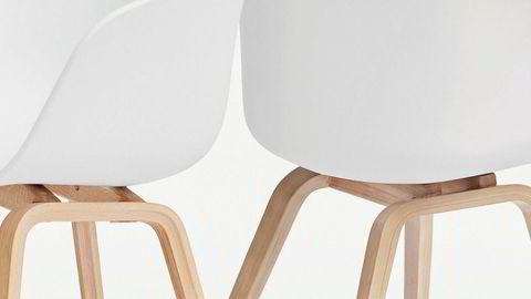 Inspo. Hay, som selger stolen til venstre, mener stolen fra importøren Interstil er en kopi. Interstil er ikke enig – og saken skal opp i retten