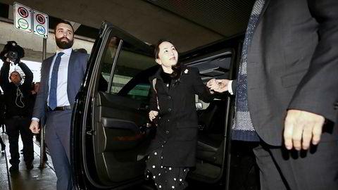 Meng Wanzhouo er ettersøkt av amerikanske myndigheter som anklager henne for bedrageri. Mandag er første dag i rettssaken om hvorvidt USA kan kreve henne utlevert fra Canada.