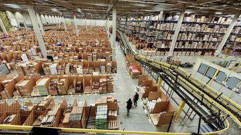 Amazon er i ferd med å etablere seg i Sverige. Her er logistikksenteret til Amazon i Rheinberg i Tyskland.
