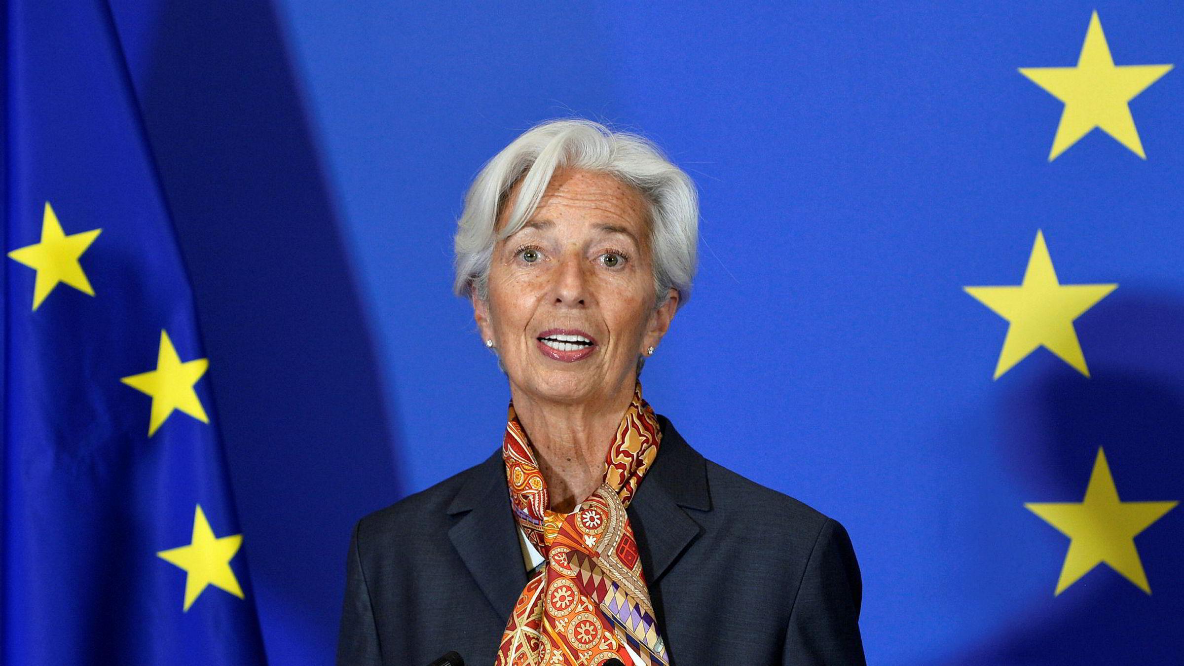 ECB-sjef Christine Lagarde annonserte onsdag at banken vil kjøpe obligasjoner og verdipapirer for 750 milliarder euro for å stabilisere finansmarkedene. Det hjalp ikke stort.