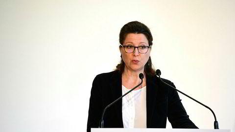 Frankrikes helseminister Agnes Buzyn gikk ut med informasjonen om korona-dødsfallet lørdag formiddag.