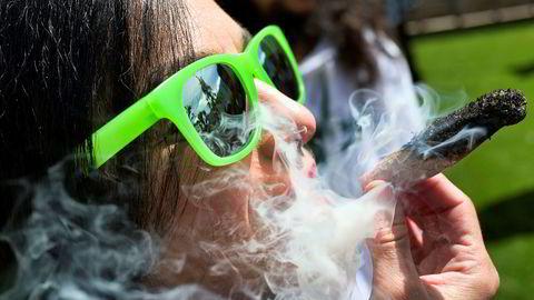 Legalisering av marihuana i delstaten Illinois i USA har gitt en skatteinngang på over 93 millioner kroner den første måneden.