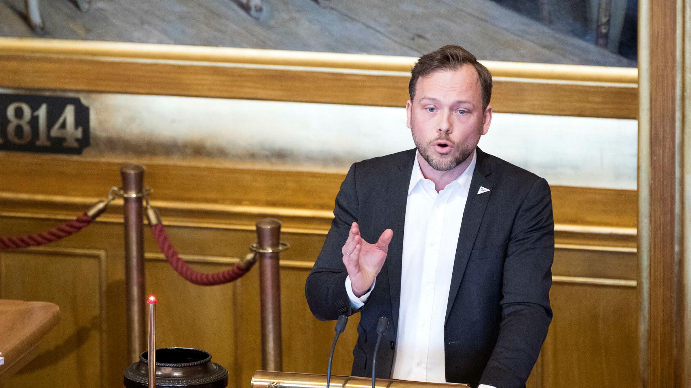 SV-leder Audun Lysbakken på Stortingets talerstol.