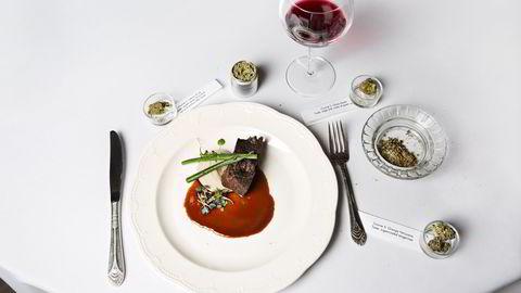 Stein bit. Aspens mest eksklusive mat følges av tung rødvin og høypotent tilbehør