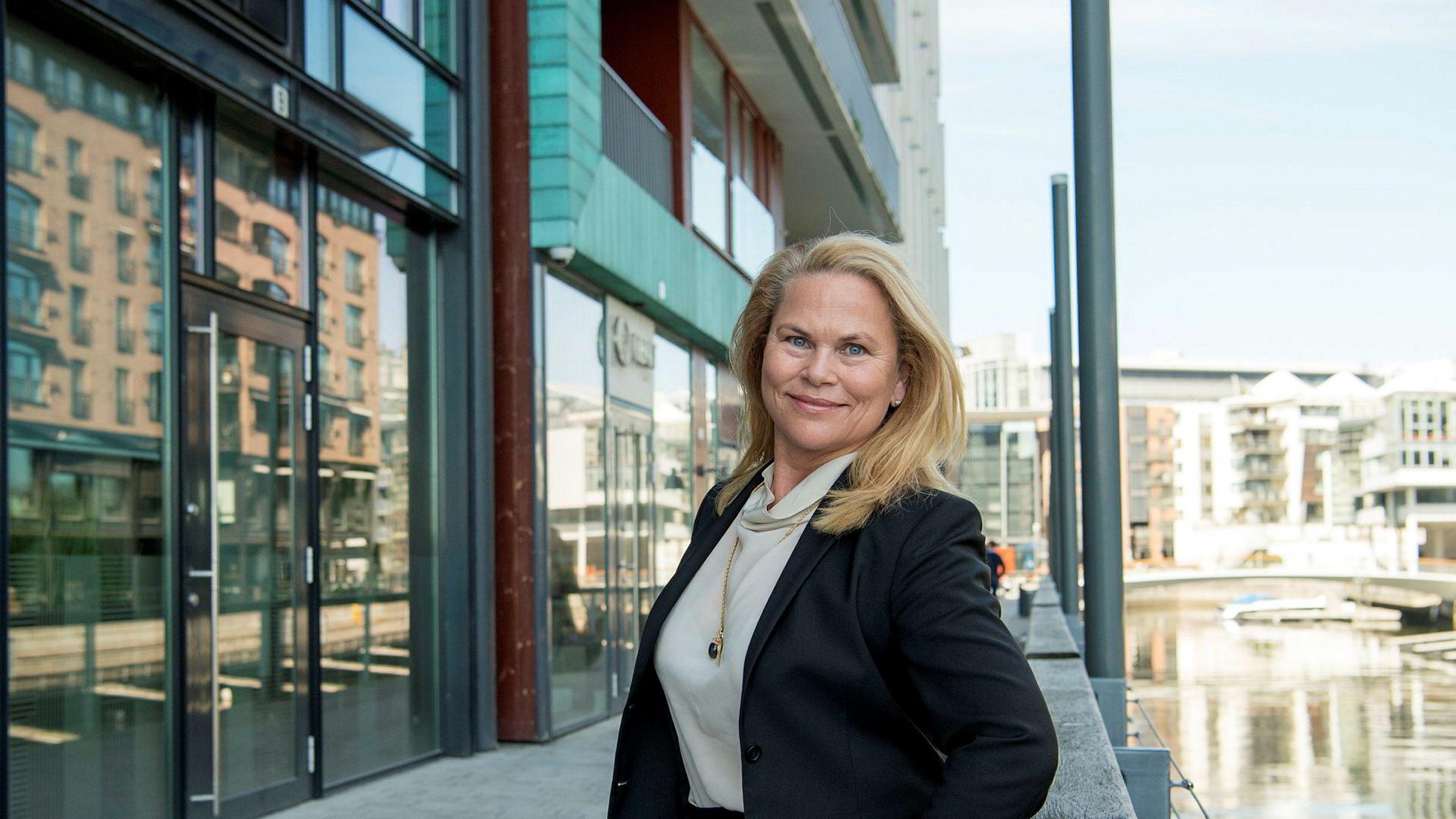 Andelen kvinner på toppen i norsk næringsliv er så lav at næringslivstopp Linda Bernander Silseth i mandagens DN sa hun ikke forstår at toppsjefer og styreledere tør drive en virksomhet uten mangfold i ledergruppen.