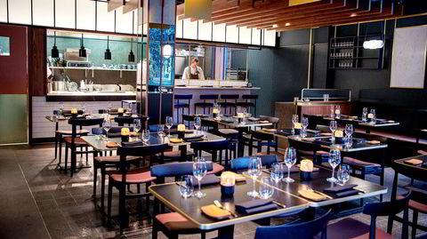Code Restaurant er elegant innredet i en slags art deco-inspirert stil.