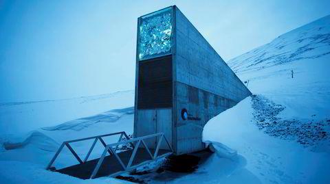 På Svalbard ligger verdens største sikkerhetslager for frø. I 2016 førte ekstremregn til at store mengder vann trengte inn i inngangen.
