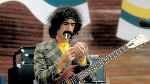 I Stockholm. Frank Zappa på Skansen scene, Djurgården, i 1973.