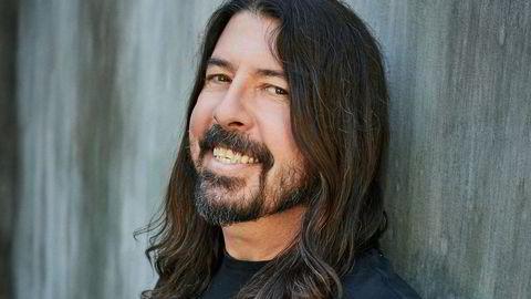 Taktfast. Biografene holder ham som «den fineste fyren i showbiz». Men Foo Fighters-vokalisten og bransjestrategen Dave Grohl mener han har greid å ivareta punketosen.