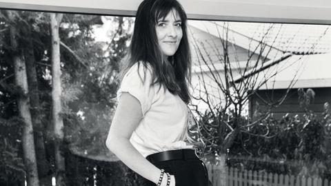Historieforteller. Marie Kristiansen har intervjuet unge jenter om spenningen og følelsene rundt russetiden. Kombinert med hennes egen interesse for kvinnelig seksualitet og populærkultur, har hun ønsket å lage en empatisk fremstilling av det å være ung i dag.