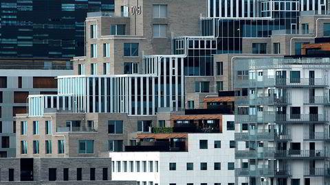 Selv i Oslos nye bydel, Bjørvika, har enkelte bygg gårsdagens vannkraner og dørhåndtak, skriver artikkelforfatterne.