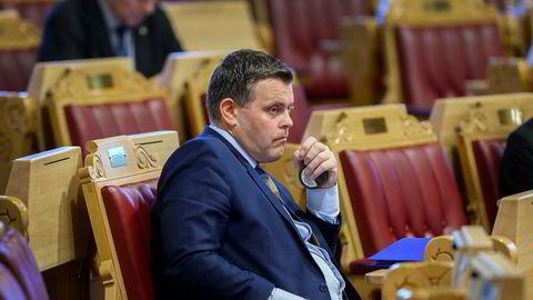 Justisminister Jøran Kallmyr kommenterer en pågående straffesak. Han burde fått vurdert sine uttalelser i forkant – de kan leses som en konstatering av strafferettslig ansvar for IS-kvinnen.