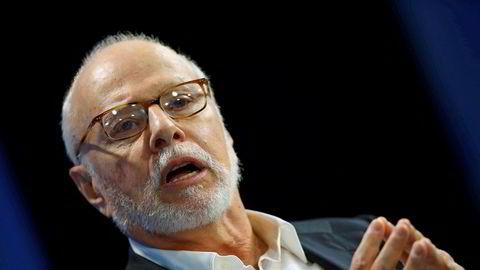 Paul Singer, grunnlegger og leder av hedgefondet Elliott Management Corporation, er kritisk til den omfattende sparingen i indeksfond.