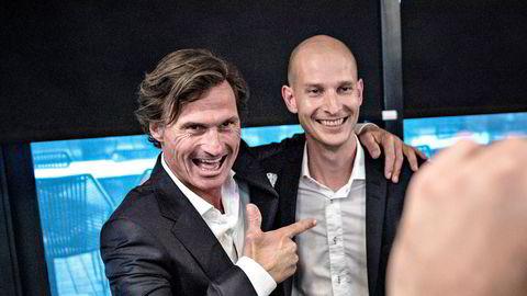 Petter Stordalen er fremdeles blant de største aksjonærene i strømapp-selskapet Tibber, etter at Edgeir Vårdal Aksnes (t.h.) og hans partner vant Stordalens gründerkonkurranse i 2016.