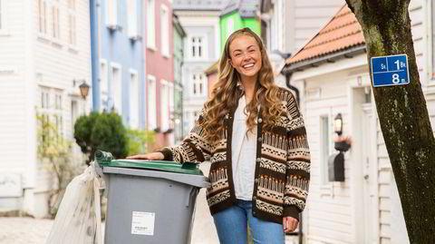 Headhuntet. I fjor høst, mens hun fortsatt var student ved NHH i Bergen, ble Mari Larsen Sæther headhuntet til avfallsteknologiselskapet WasteIQ. Nå skal hun bidra til å finne nye smarte løsninger for å få bukt med det enorme avfallsproblemet.