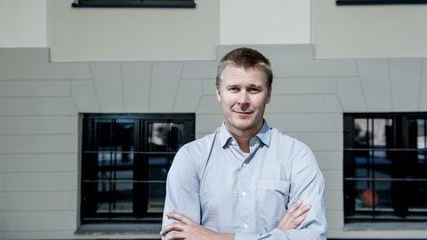 Nestleder André Kallåk Anundsen ved boligforskningssenteret Housing Lab ved Oslomet kan ikke konkludere med at det er boligboble, men at boligprisene er ti prosent for høye.