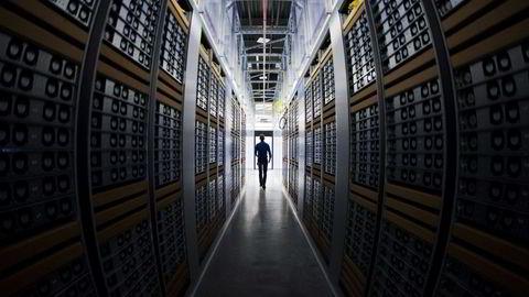 Trening av algoritmene som ligger til grunn for kunstig intelligens, er ofte svært energikrevende og kostbart og belastende for miljøet, skriver Solve Sæbø.