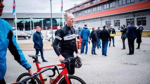 Ketil Solvik-Olsen (Frp) var samferdselsministeren som gjorde elsparkesykler lovlig i 2018. Her er den ivrige syklisten avbildet på vei til partilandsmøte.