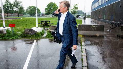 Tor Olav Trøims riggselskap Borr Drilling er i harde forhandlinger med kreditorene. En av dem, storbanken Citibank, ville kaste kortene i høst og forsøkte å selge sin andel av gjelden til halvparten av lånets pålydende verdi.