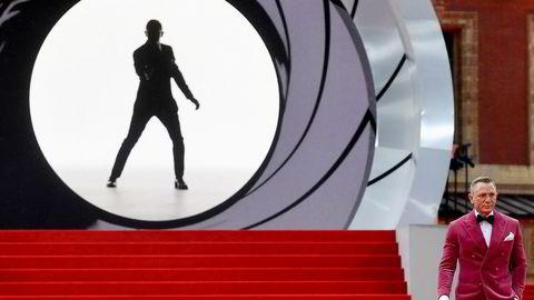 Daniel Craig spiller James Bond.